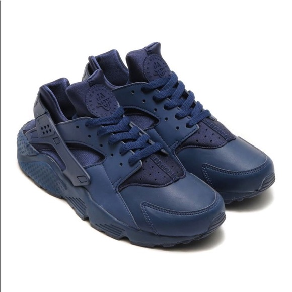 competitive price c612d f0115 NIKE HUARACHE RUN NAVY BLUE SHOES NWT